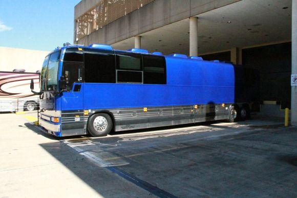 Ashley Monroe S Tour Bus The Exterior Of Ashley Monroe S Tour Bus