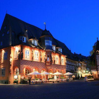 AKZENT Hotel Kaiserworth am Abend....