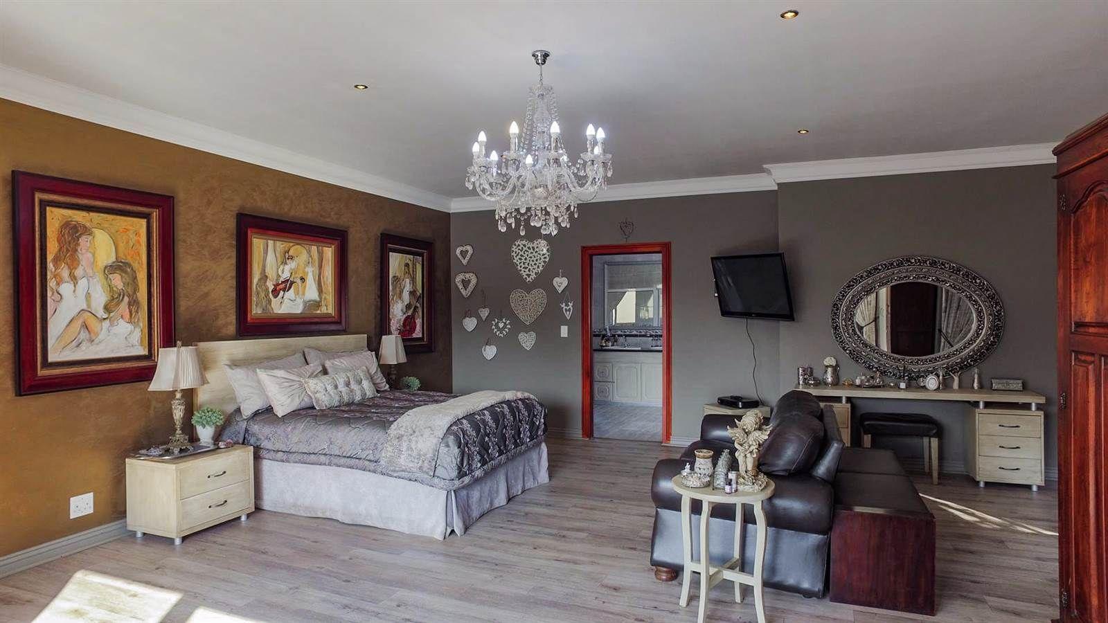 4 Bedroom House in Midstream Estate photo number 27