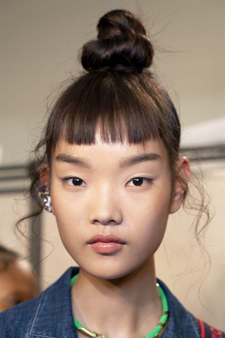 Tendenze capelli 2019: la frangia? È corta | Frangia ...