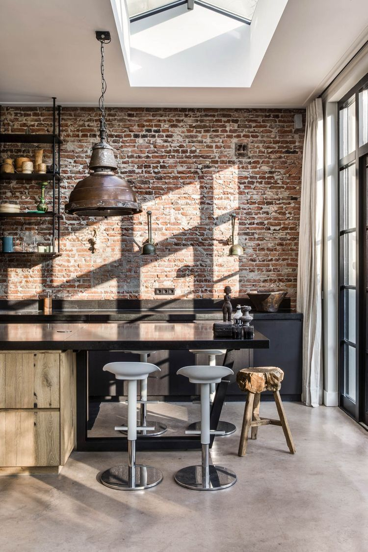 Rustic Industrial Kitchen With Bricks Concrete Floor Industrialkitchentaps Küche Loft Industrie Küche Küche Industrial