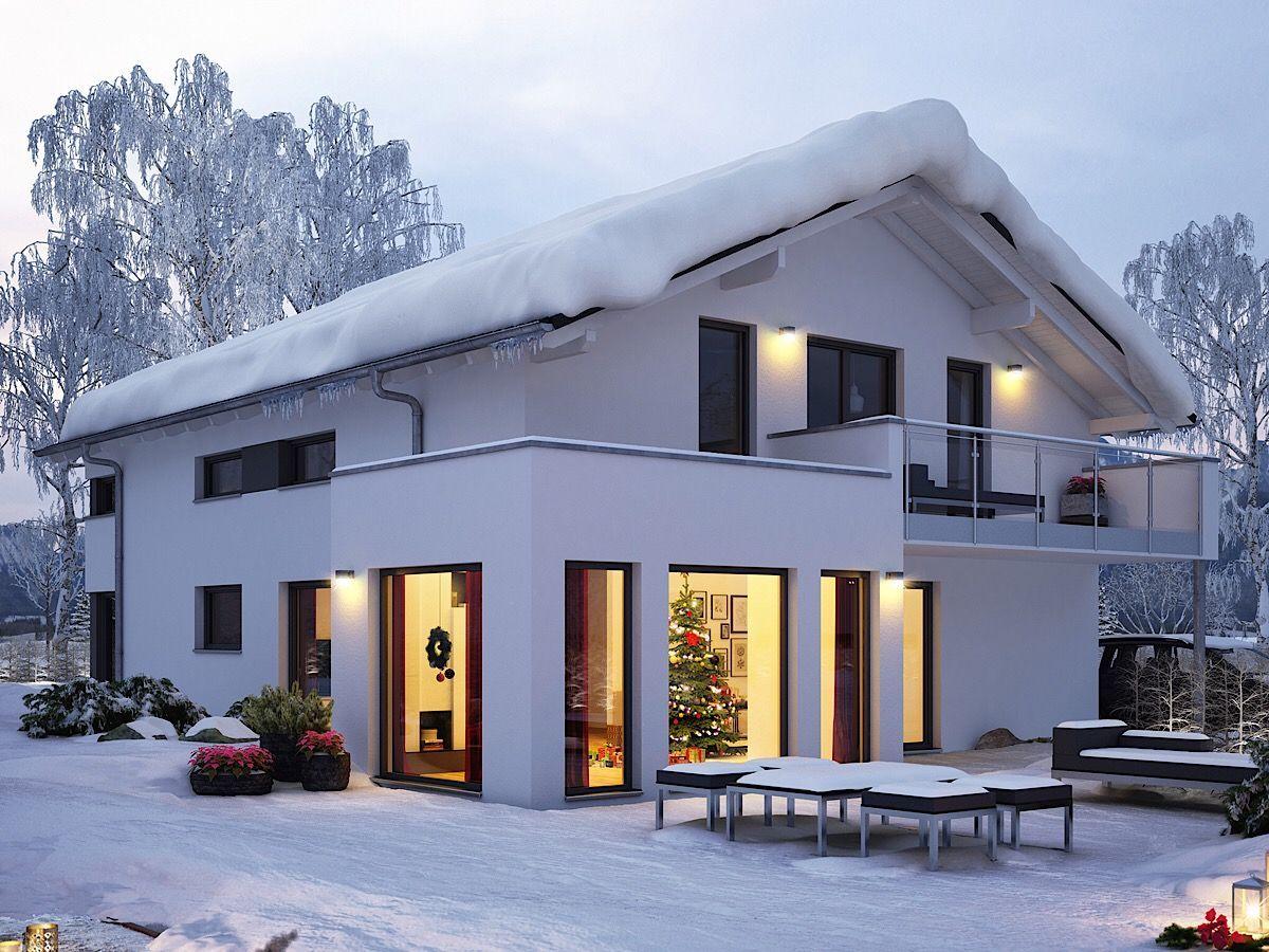 Haus im modernen Landhaus Alpenstil mit flach geneigtem