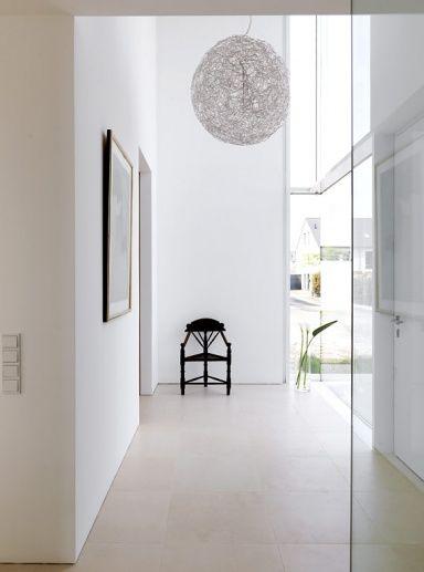 Fotostrecke Geräumiger und heller Eingangsbereich Bild
