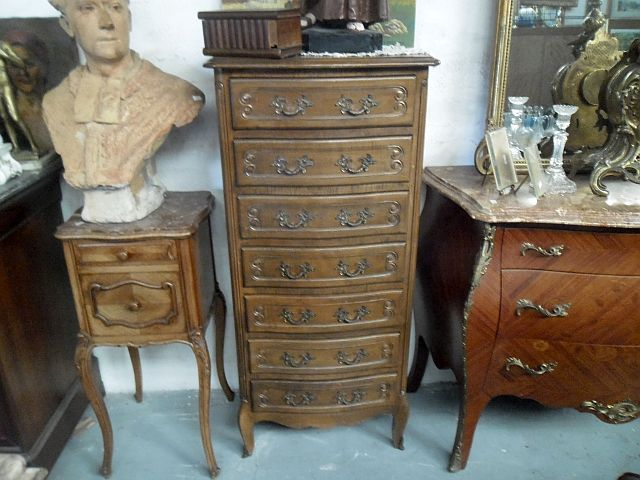 semainier de style l xv antiquaire balestra antiquites et brocante meuble ancien brocanteur. Black Bedroom Furniture Sets. Home Design Ideas