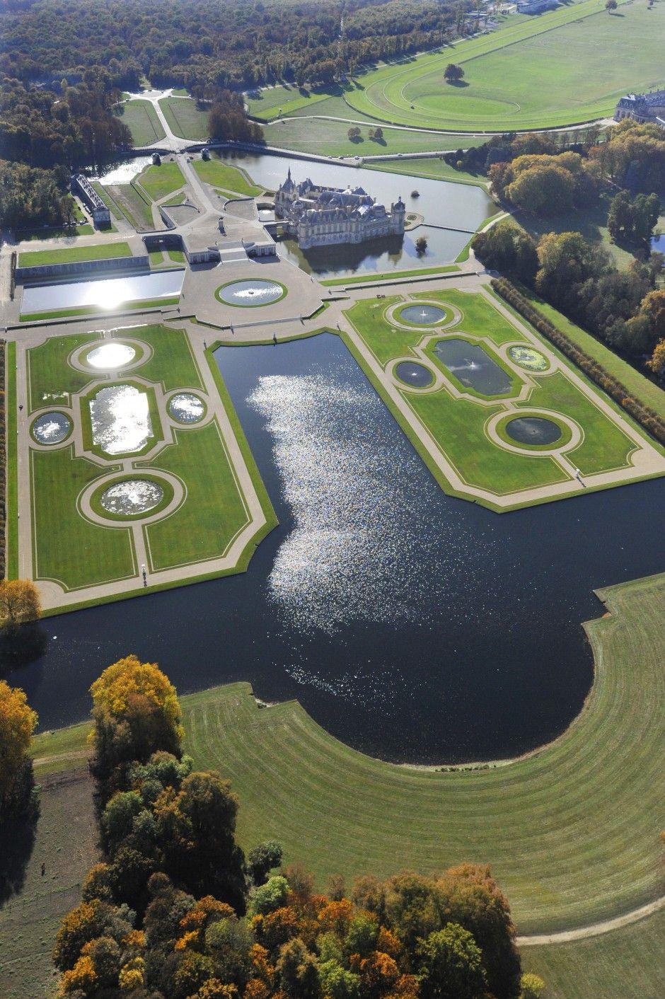 Heymann Renoult Associees Andre Le Notre Et Les Jardins De Chantilly Aux Xviie Et Xviiie Siecles French Castles Castle Versailles Garden