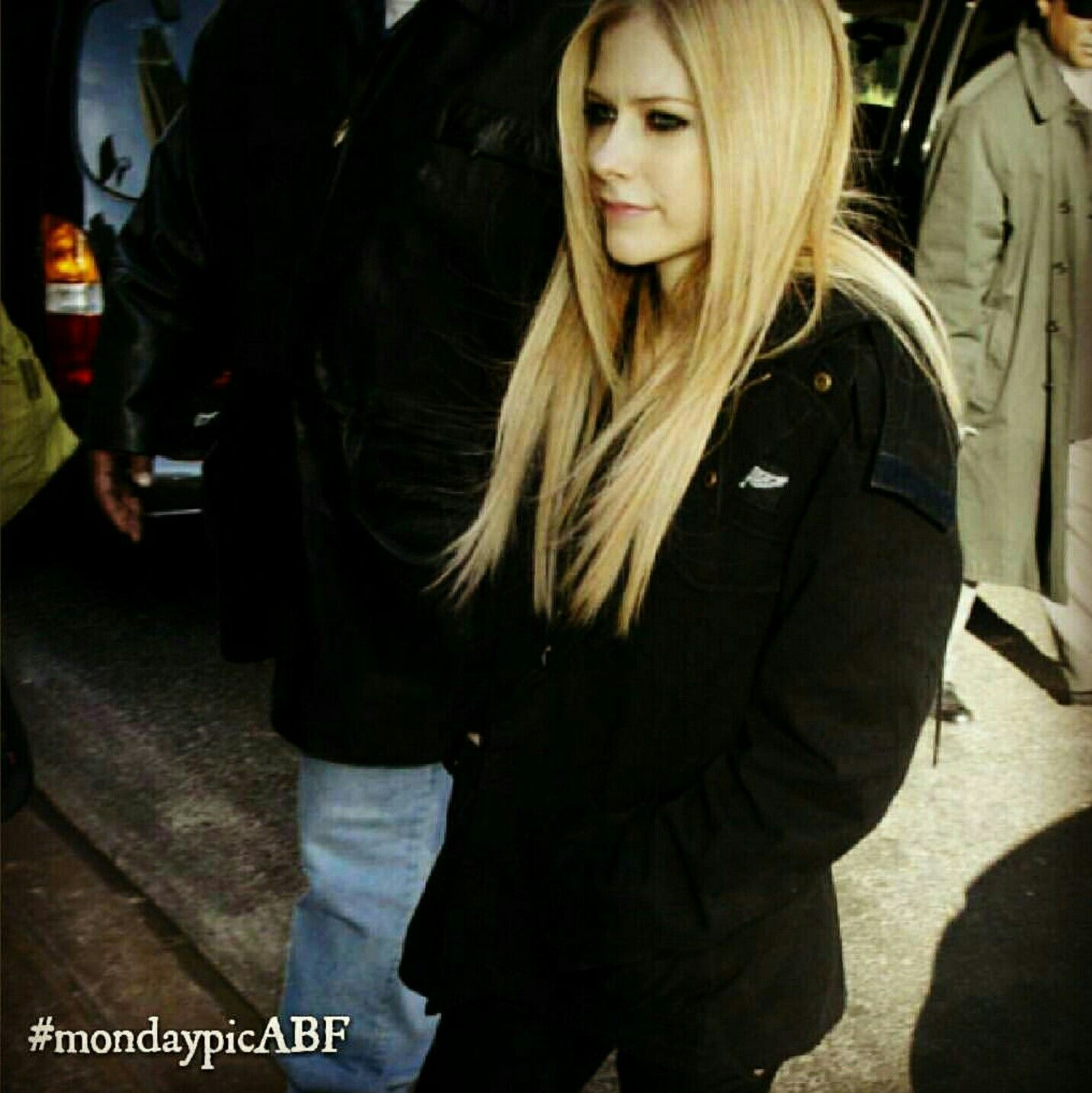 Avril Lavigne te in public, I really miss this makeup and hair look