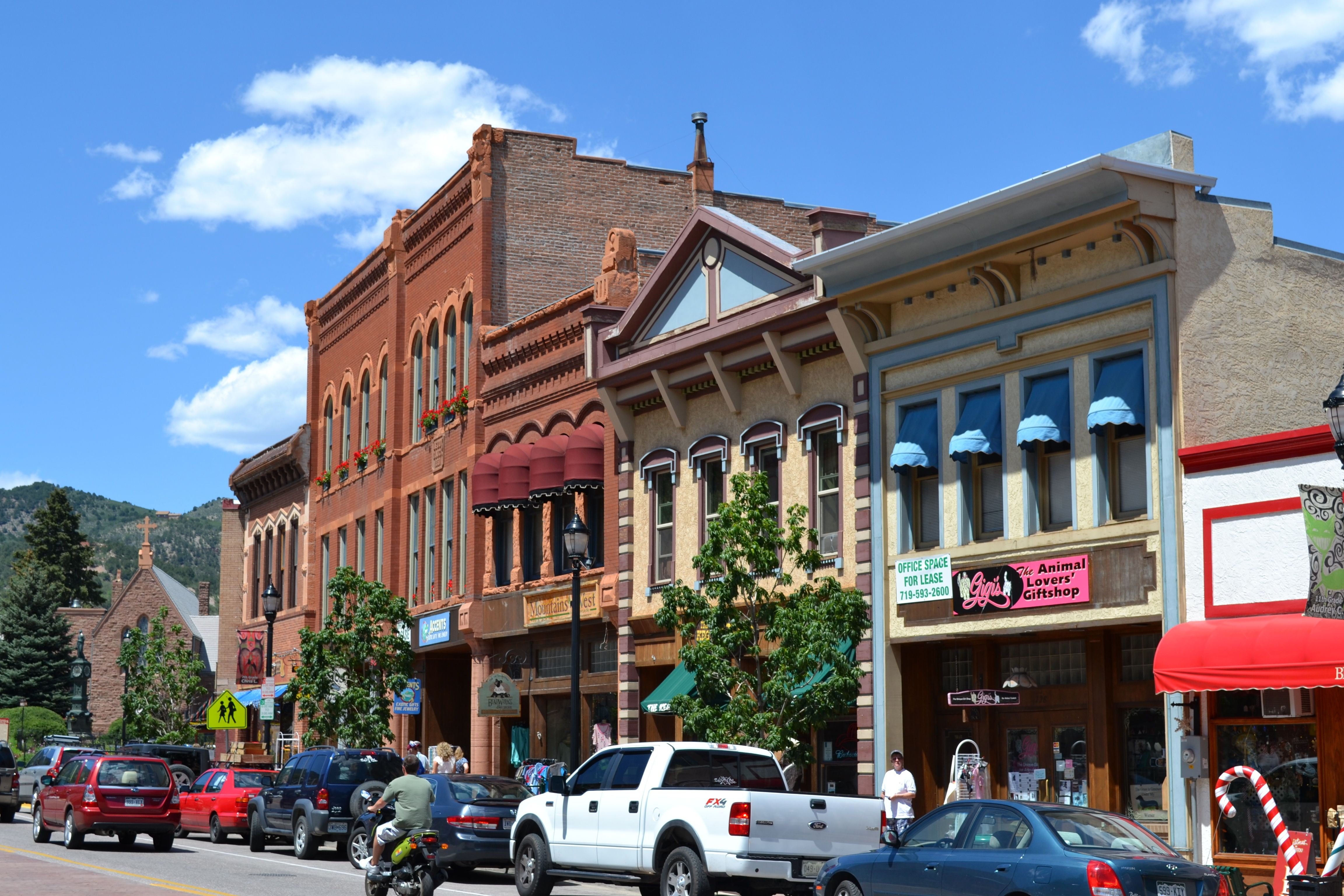 Manitou Springs, Colorado.~~~~Would like to get to see this town in 2014. #manitousprings