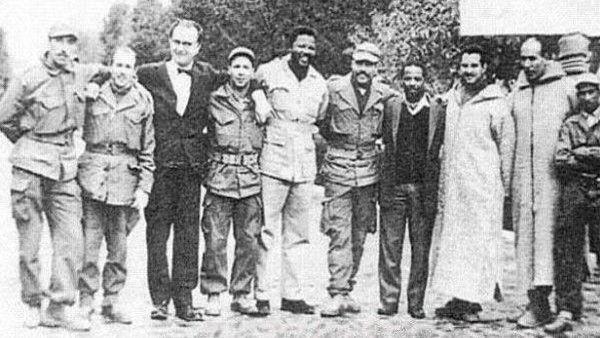 مانډيلا د الجزايري جګړه مارو په منځ کې - الجزاير ۱۹۶۱م