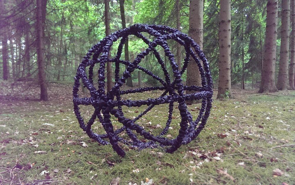 Kunst aus Fahrradschlauch, Garten, Kugel, Deko, Skulptur, Figur ...