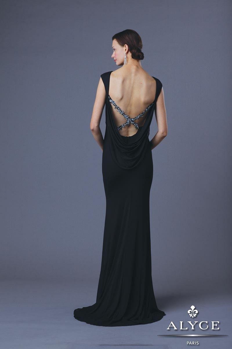 Stunning cap sleeve scoop neckline slim fit jersey long dress with