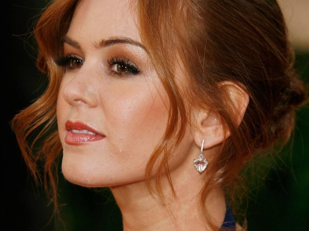Isla Fisher Red Hair Brown Eyes Redhead Makeup Wedding Hair And Makeup