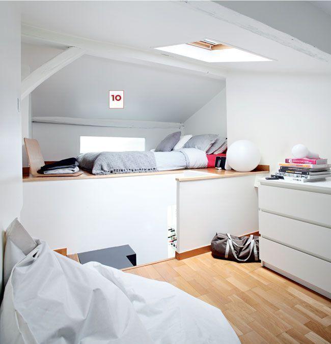 Installer une chambre sous les toits 9 photos pour am nager une chambre dans les combles for Chambre sous comble