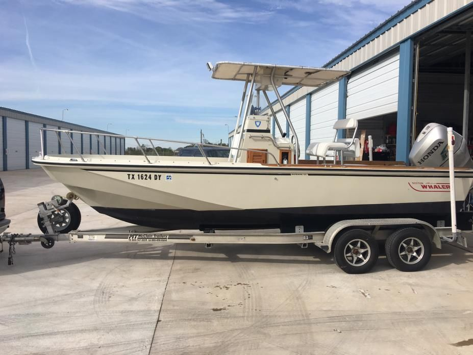 1987 Boston Whaler Outrage 22 4 Boston Whaler Whalers Fishing Boats For Sale