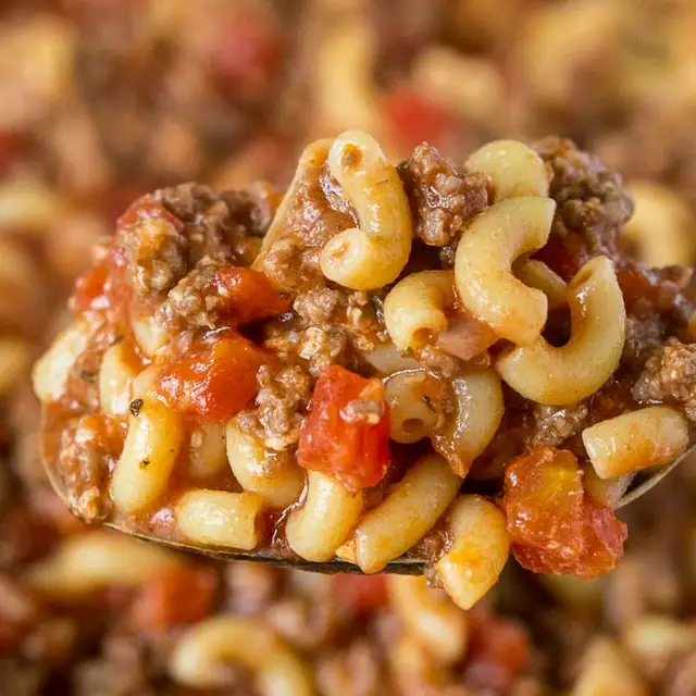 Old Fashioned Goulash With Elbow Macaroni Ground Beef Onion Garlic Worchestershire Sauce Tomato Sauce Diced Goulash Recipes Recipes Old Fashioned Goulash