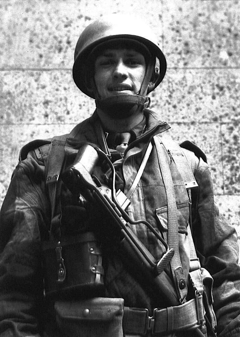 2nd Lt. John K. Singlaub, part of Jedburgh Team James, parachuted behind German lines in August 1944. He would go on to become a major general in the Army and one of the founding members of the CIA. (Photo courtesy of the personal collection of Maj. Gen. John K. Singlaub, USA, Ret.)