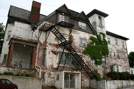 Search For The White House Apartments Hauntin Gs Real Haunted Houses Haunted Places Visit Omaha