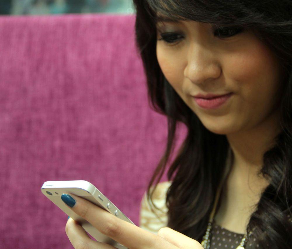 Cara Percakapan Dan Tips Pdkt Menarik Perhatian Wanita Lewat Bbm Nurulku Blog Wanita Pasangan