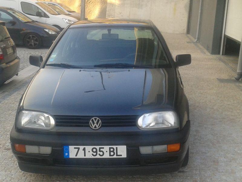 Vw gof iii -gasolina-5 portas-ano 12/1992 Vende-se VW Golf III GL 12/1992 preto Metalizado um só dono, com Vistoria Em bom estado -5 Portas -Fecho central -Vidros eléctricos ( Frente )-Espelhos eléctricos-