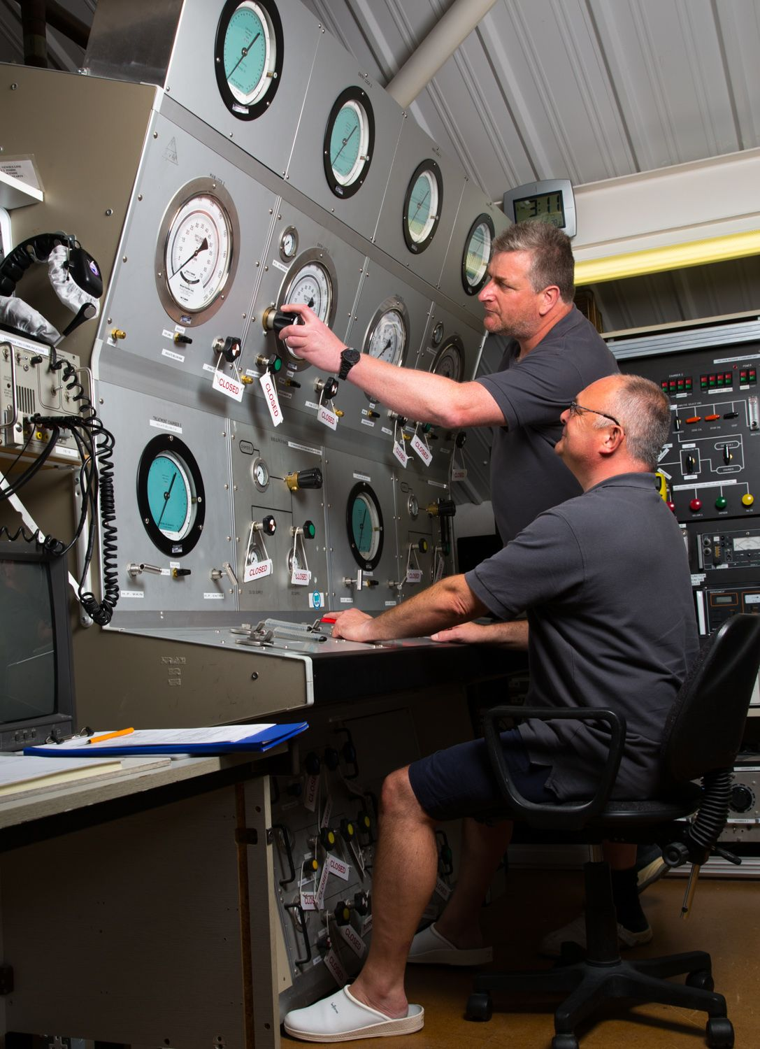 Hyperbaric Chamber Operator training at DDRC Healthcare's