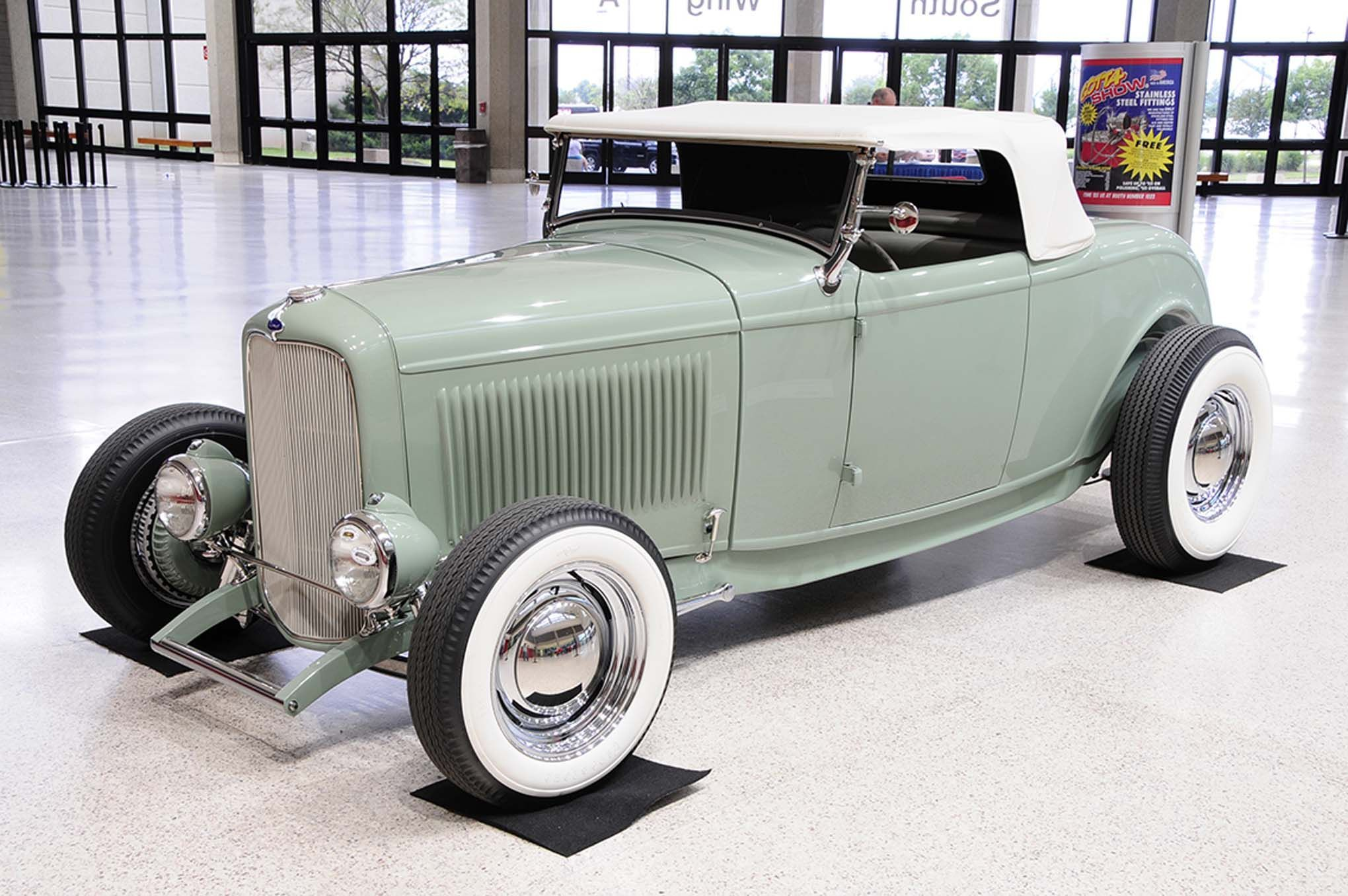 1932 Ford Roadster - Highboy - Classic \