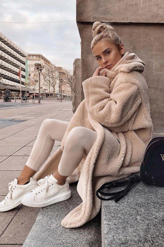 Photo of Модные идеи в бежево-белых тонах для элегантного осеннего образа | Новости моды