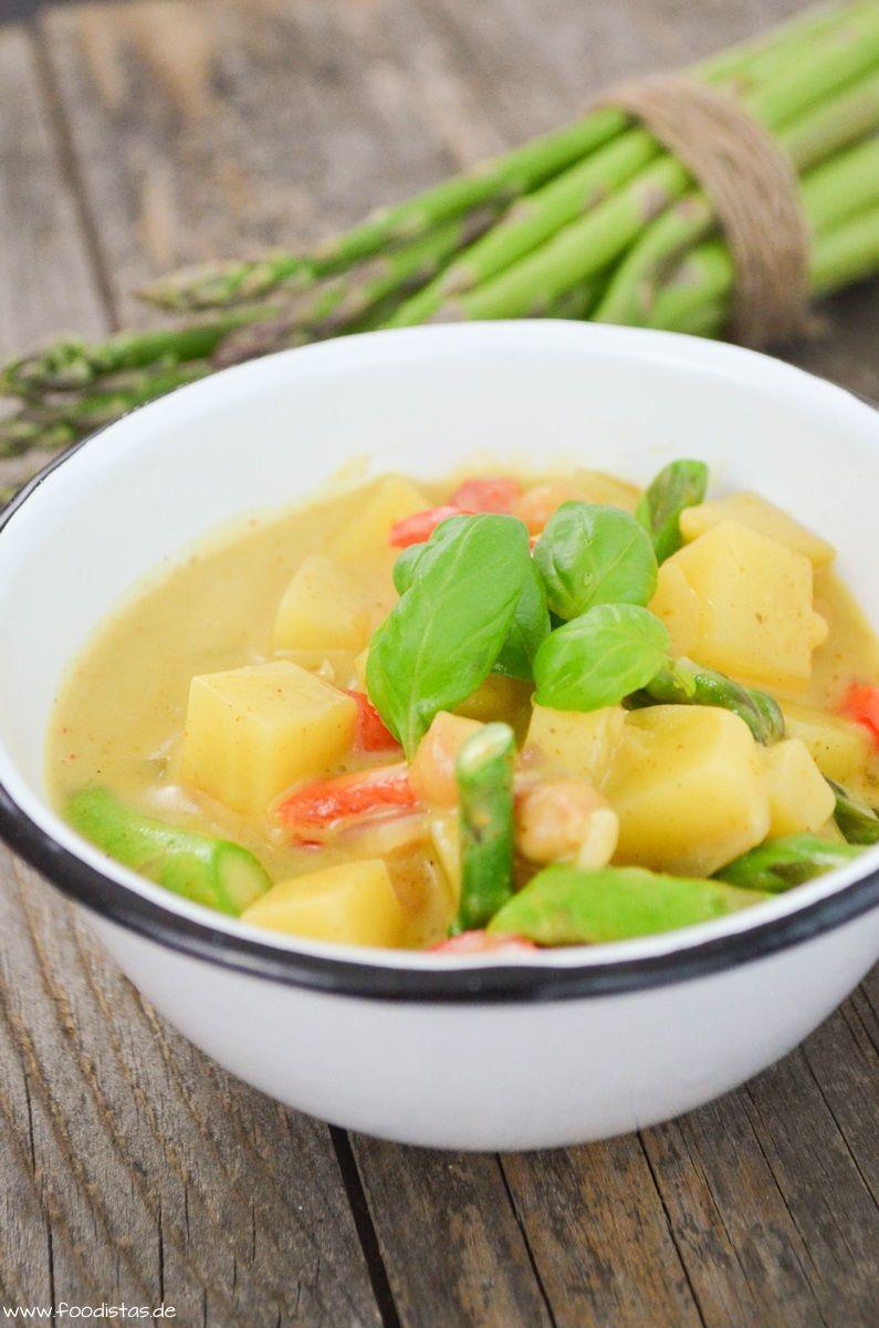 Kichererbsen Curry mit grünem Spargel dazu Kartoffeln, Paprika und ein Hauch Schärfe!