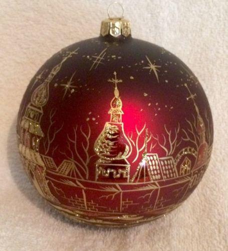 Hand-Painted-Ukrainian-Christmas-Ornament-City-of-Gold