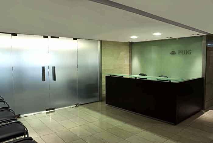 Recepciones dekarq arquitectura puig argentina for Recepciones para oficina