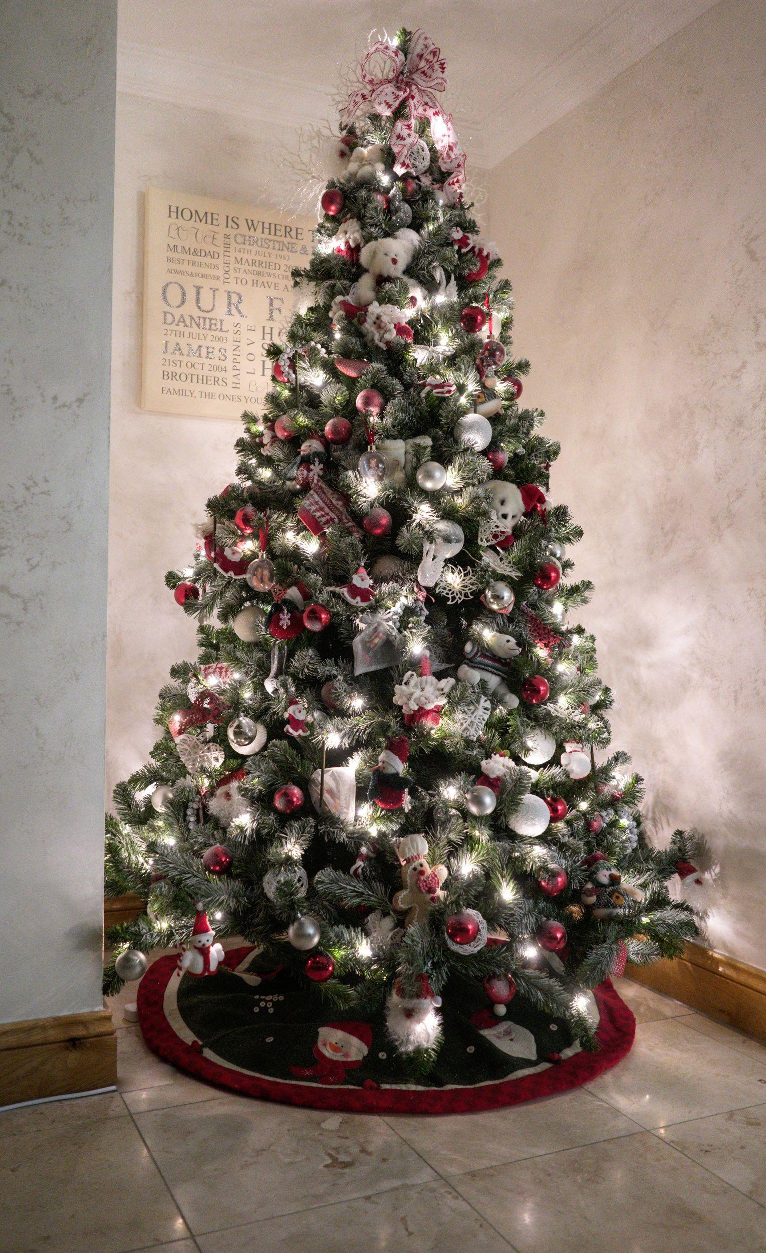 Professional Christmas Decorators In Essex Christmas Essence Christmas Decorations Christmas Holiday Decor