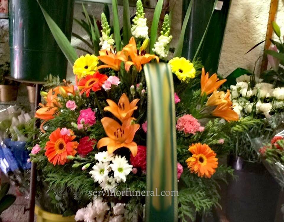 Centro De Flores Funerario Entregado En El Tanatorio De