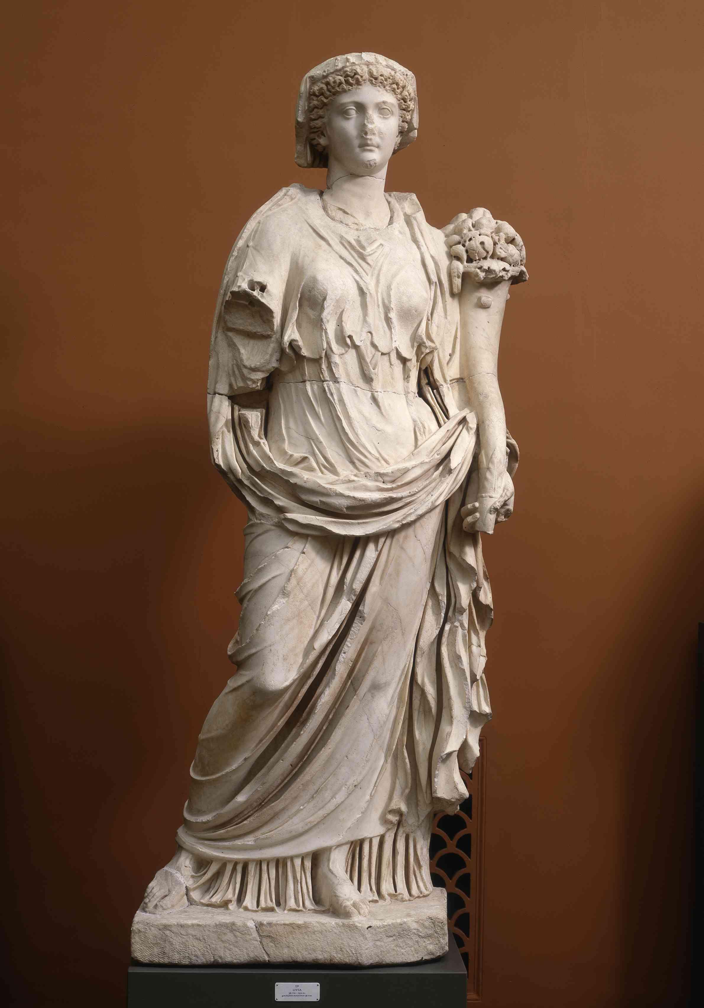Livia, wife of Augustus, mother of Emperor Tiberius, Roman statue (marble), 1st century BC - 1st century AD, (Ny Carlsberg Glyptotek, Copenhagen).