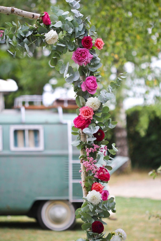 rien de tel qu 39 une guirlande de fleurs et feuillages frais. Black Bedroom Furniture Sets. Home Design Ideas