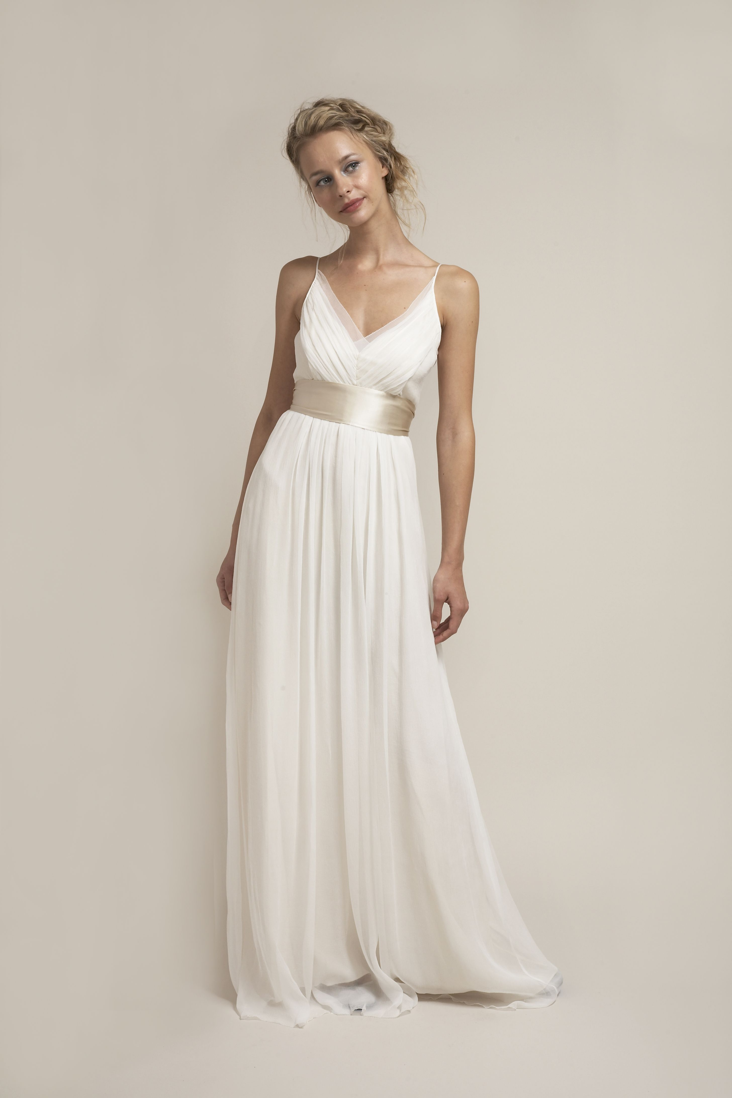 Hb6622 Effortless And Simply Stunning Wedding Dress Stunning Wedding Dresses Wedding Dresses Wedding Dress Types