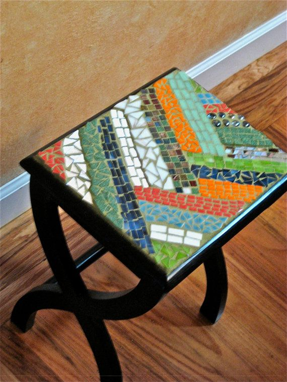 Mosaic Side Table Mosaic Mosaic Designs Antique Booth Ideas