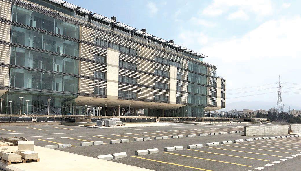 لأنه في طرابلس لم ي نجز حتى بعد مرور 16 سنة جديد المبنى الجامعي الموحد في لقاء مع د خوجة Building Structures Multi Story Building