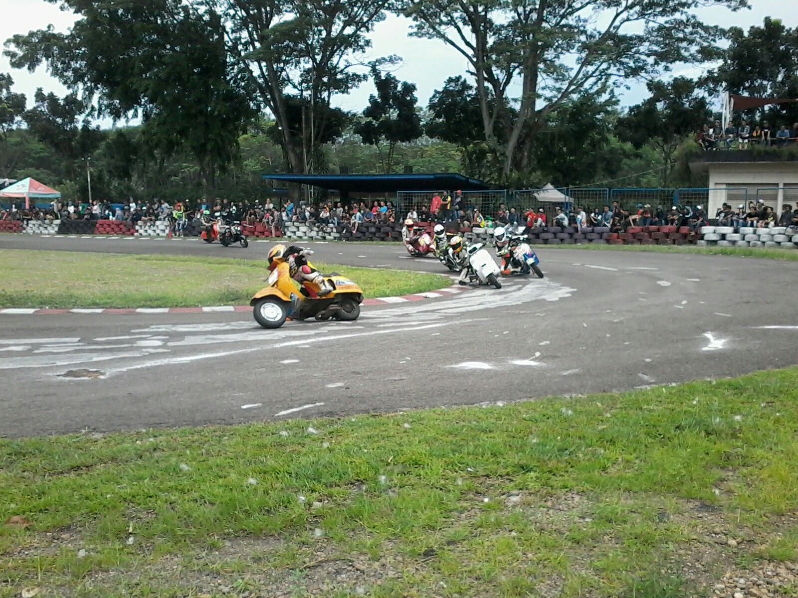 Circuit Sentul : Sentul international karting circuit vespa balap indonesia