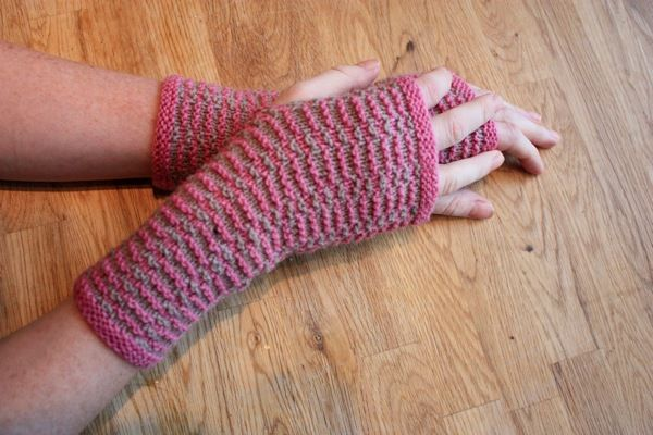 Recycling Mama Home Knitted Spring Hand Warmer Pattern