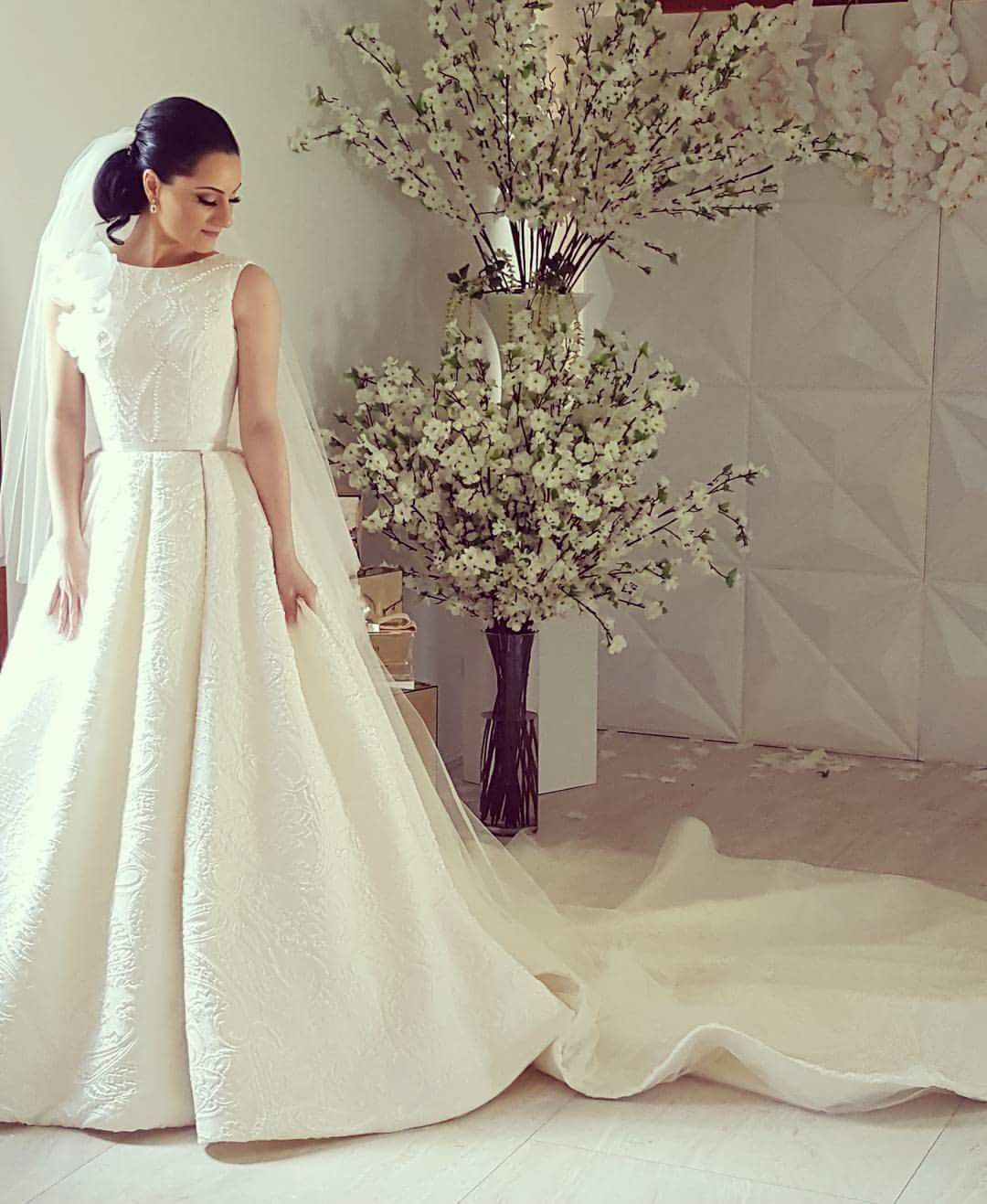 2nd hand wedding dresses  Norma And Lili Bridal Couture Custom Made Size   Bridal gowns