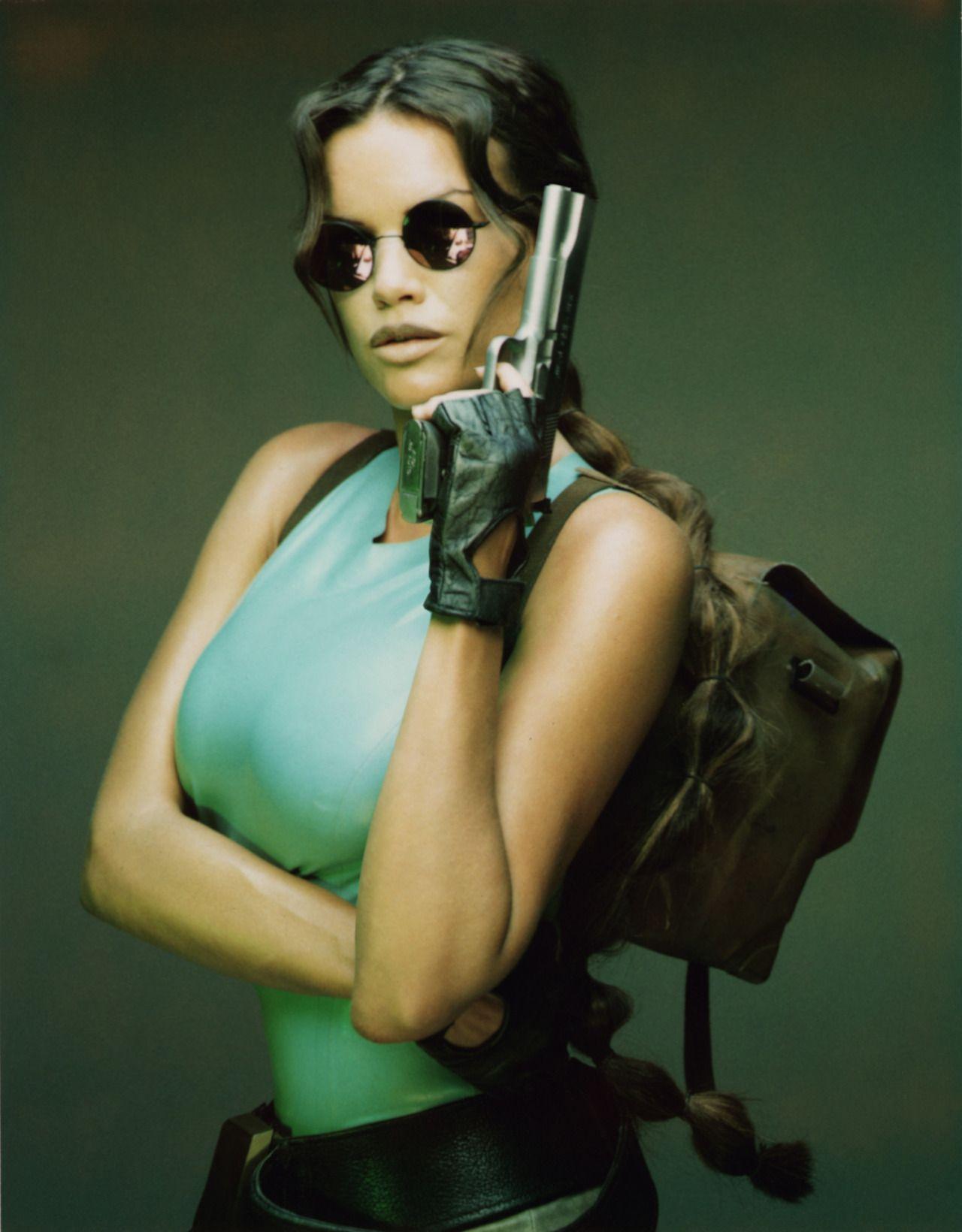 Lara Weller Nude Photos 1