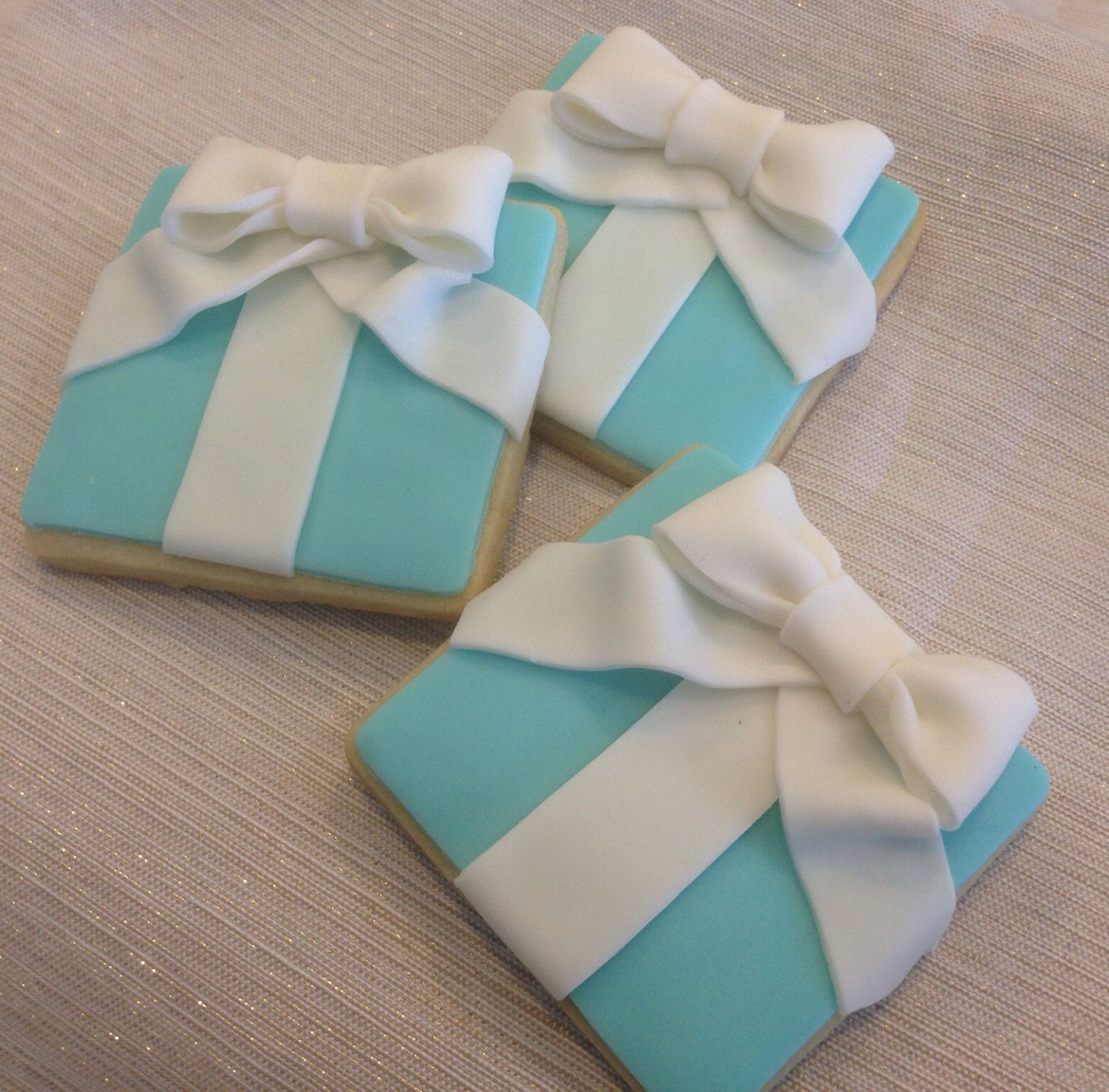 ae73c1c4b29 Tiffany & Co. Cookies~ by Dolcecreativesweets, $42.00, blue present ...