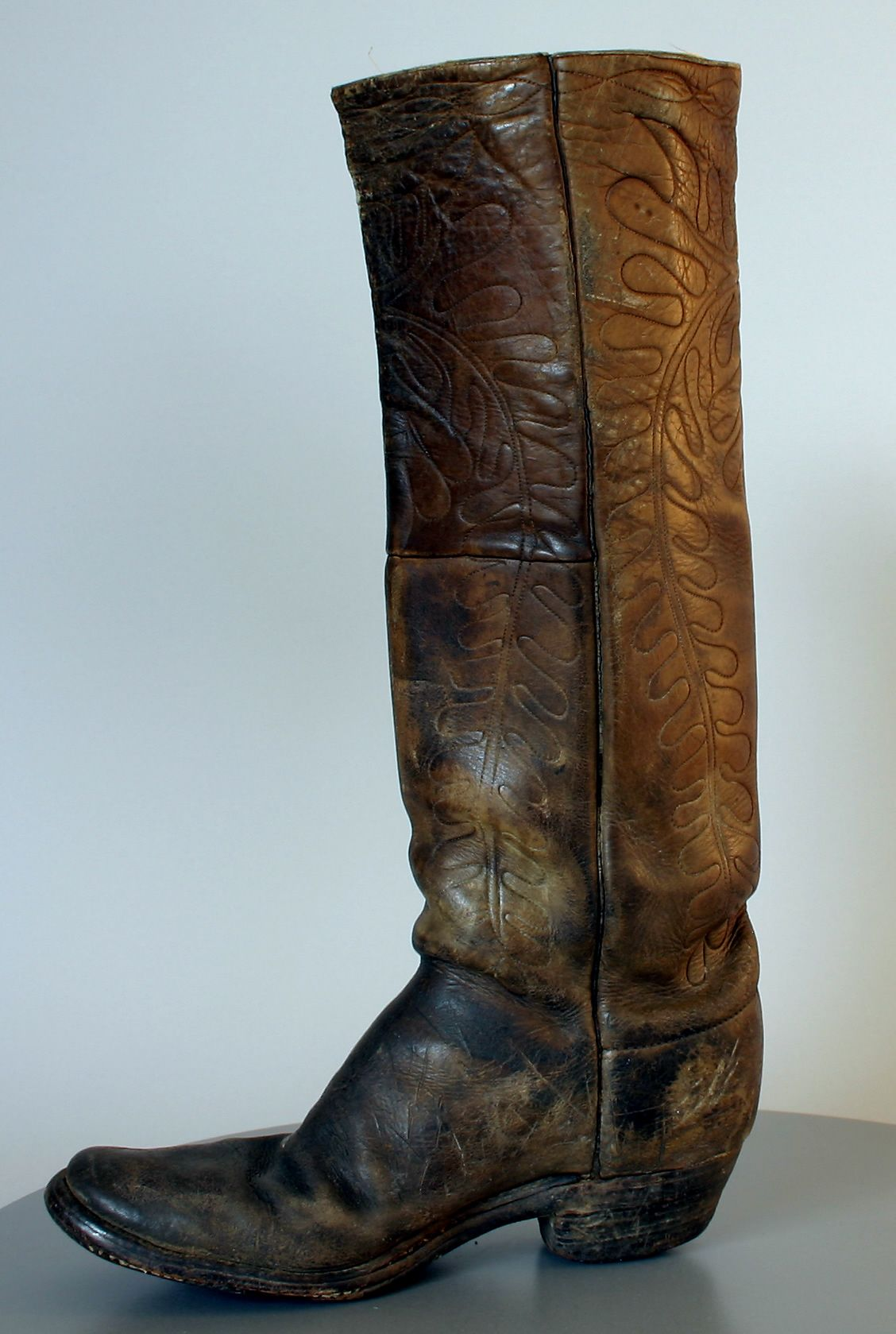 Early Cowboy Boot (1890s) By the early 1880s, the cowboy