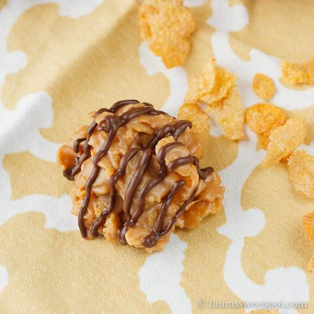 My new favorite cookie- No Bake Peanut Butter Corn Flake Cookies! Four ingredients only.