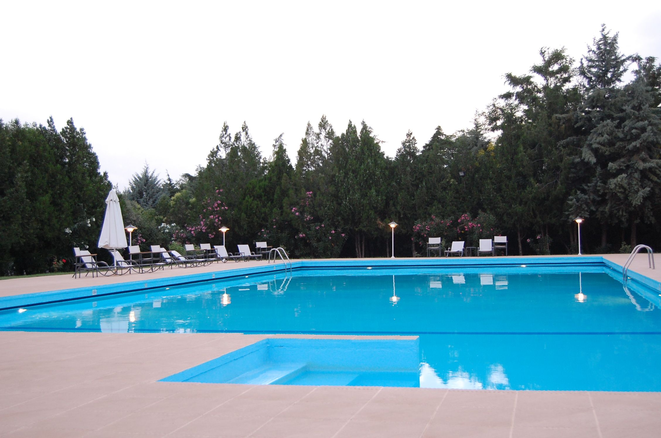 kitchener outdoor pools