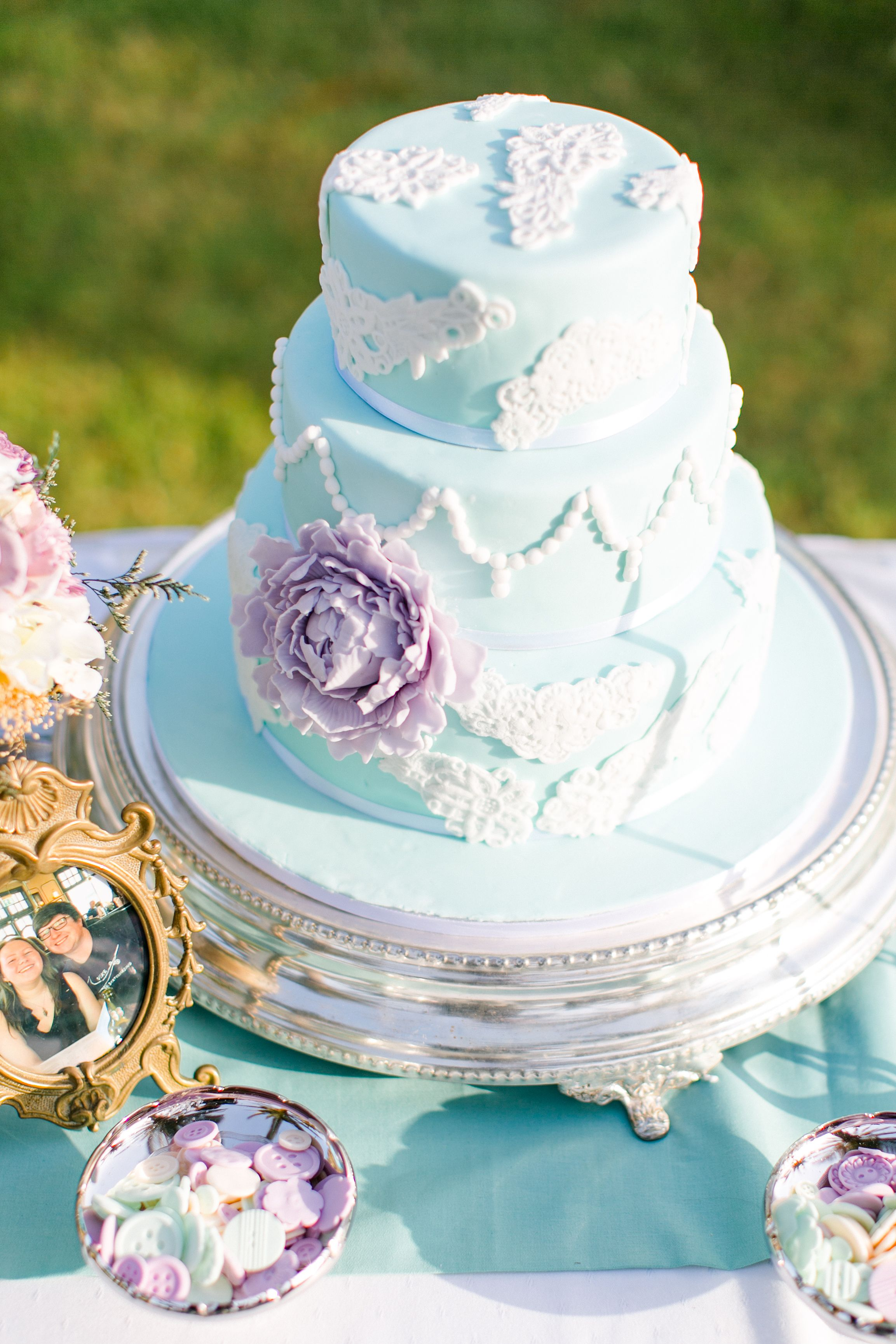 2016 Wedding Abroad Cakes by The Bridal Consultant