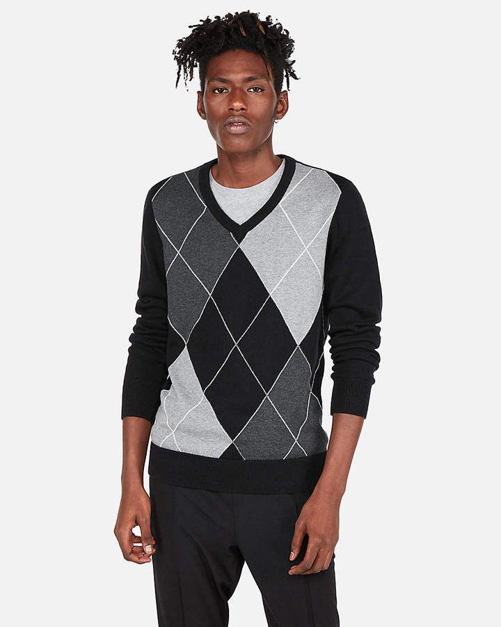 348347c66fc Express V-Neck Argyle Sweater | Products in 2019 | Black sweaters ...