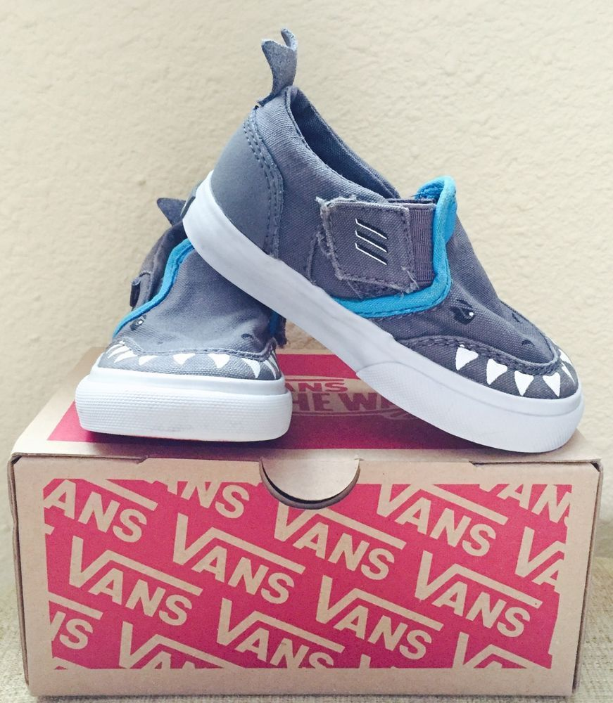 afe33e6c39f6ef AUTHENTIC VANS Boys Toddler Skate Shoes (size 5.5) Gray Shark  Velcro Gray
