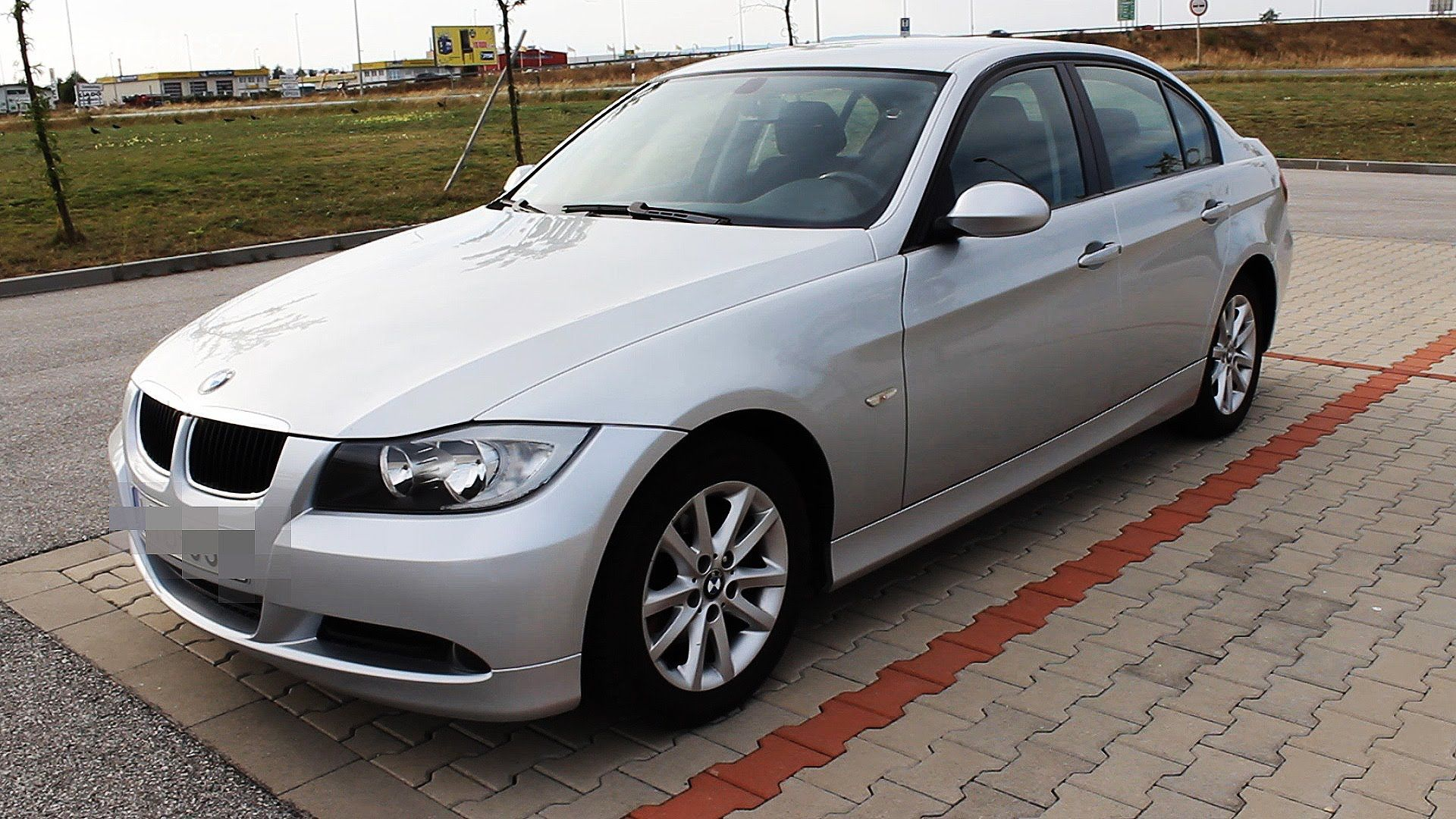 2007 bmw 320d e90 start up exhaust and in depth review. Black Bedroom Furniture Sets. Home Design Ideas