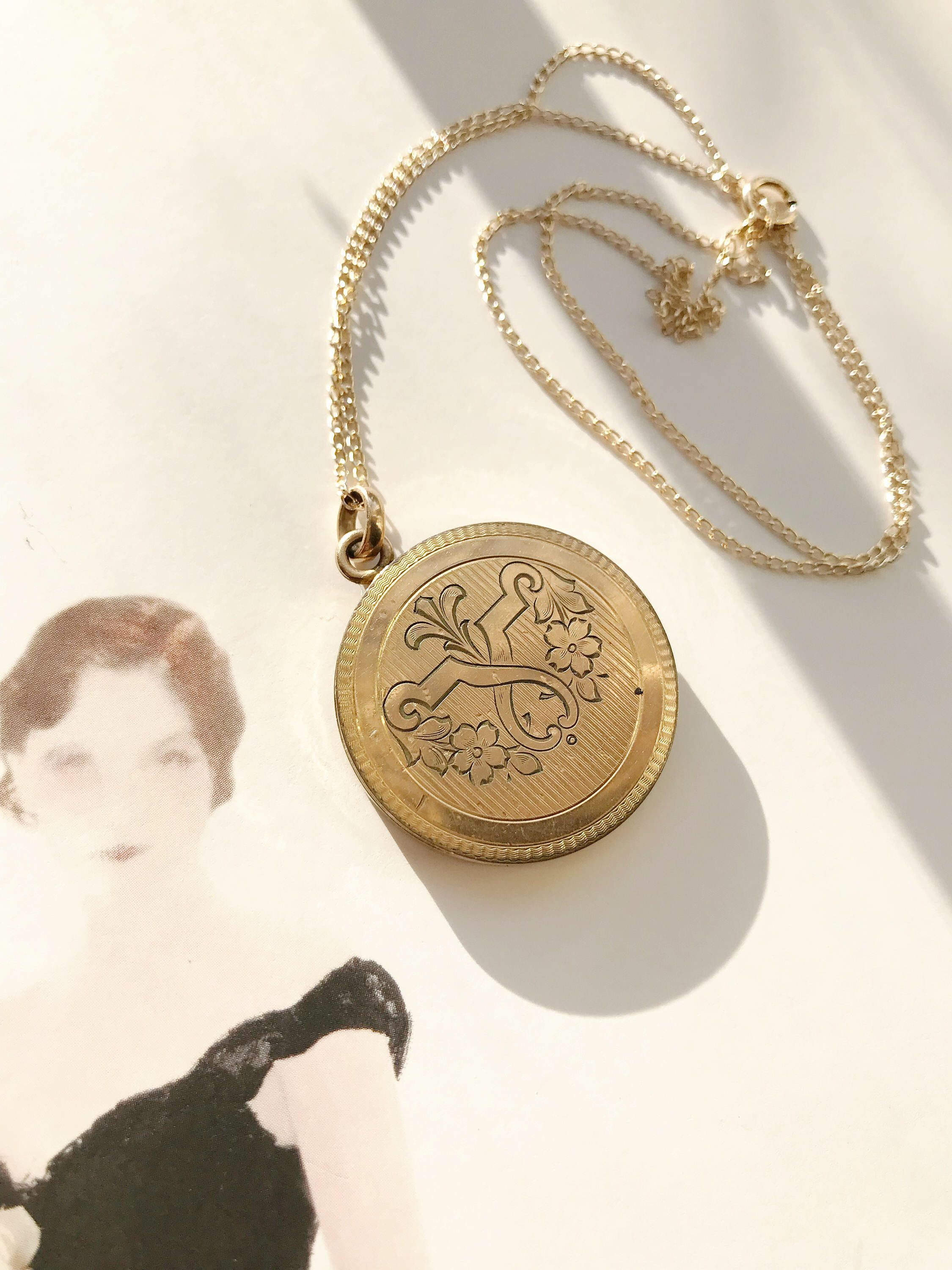 necklace locket round vintage il lockets circular zoom listing jewelry fullxfull