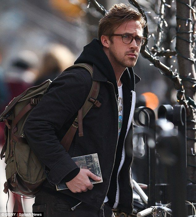 c6b0690013b So sexy  Ryan Gosling stepped out of his hotel in New York City on Wednesday  looking as handsome as ever in his laid back apparel and glasses