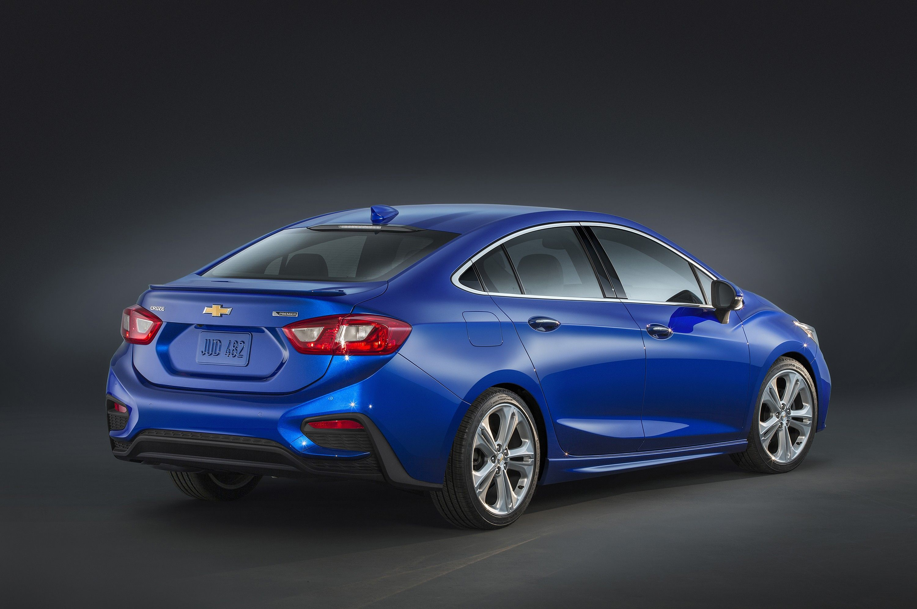 2019 Chevrolet Cruze Gains Cvt As Standard Optional 15 Liter Turbo